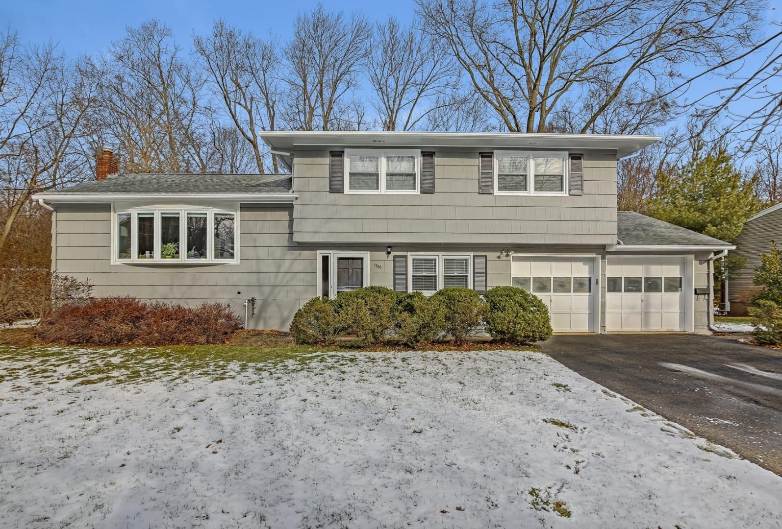 1566 Brookside Rd, Mountainside, NJ 07092