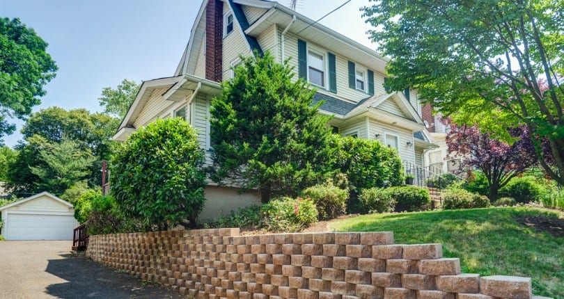 Open House Sunday 1-4p 107 Tuscan Rd, Maplewood